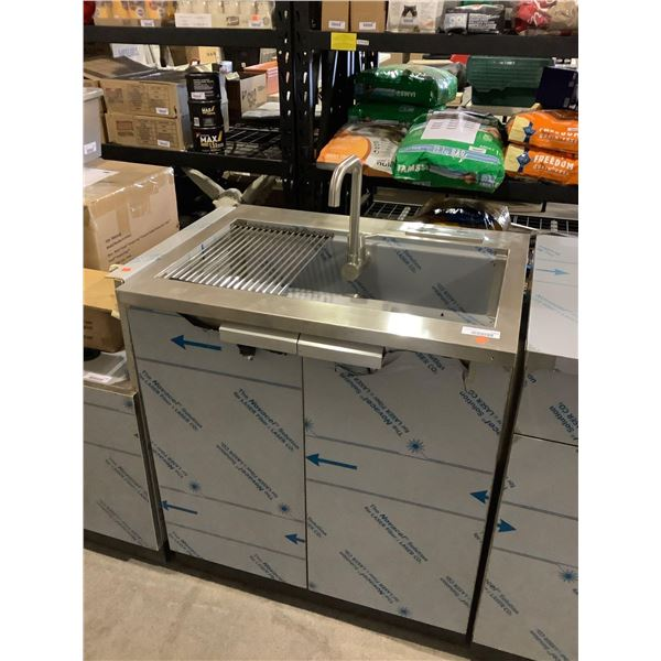 S.S Kitchen Sink Cabinet (24in L x 32in W x 35 1/2in H)