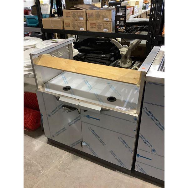 S.S Insert Grill Cabinet (22in L x 32 1/2in x 35 1/2in)