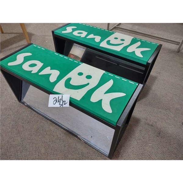 SANUK SHOE BENCH W/ MIRROR, FOAM SEAT