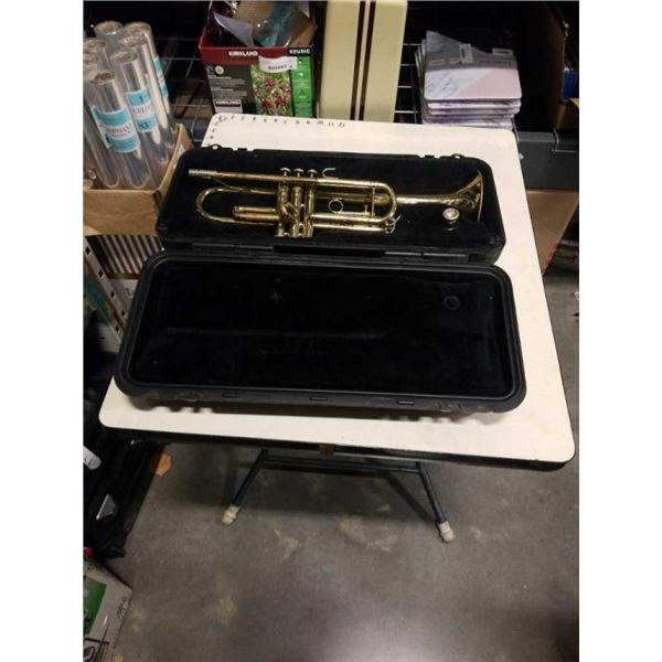 BACH TRUMPET WITH CASE