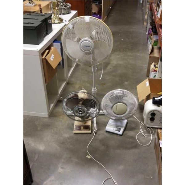 WINDMERE FLOOR FAN AND 2 TABLE FANS