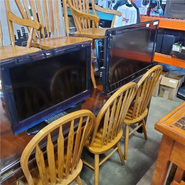 """SEIKI 32"""" FLATSCREEN TV WITH FULLMOTION WALL MOUNT AND TOSHIBA 26"""" TV WITH REMOTE BOTH WORKING"""