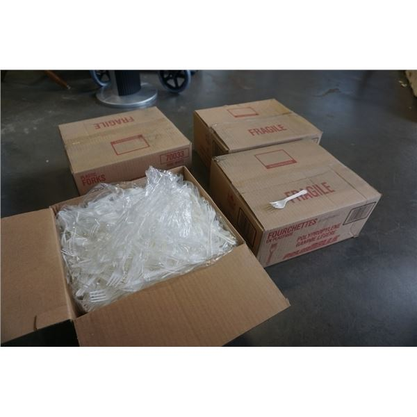 "4 BOXES OF NEW 5"" LIGHT DUTY PLASTIC FORKS - 4000 pcs"