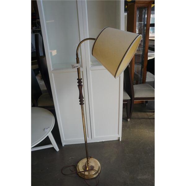 BRASS FLOOR LAMP WITH FLEXIBLE NECK