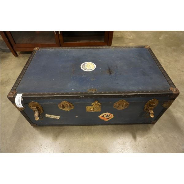 VINTAGE BLUE STEAMER TRUNK WITH TRAY