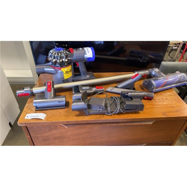 DYSON V8 ANIMAL HANDHELD VACUUM W/ ACCESSORIES AND CHARGER RETAIL $499 - TESTED WORKING