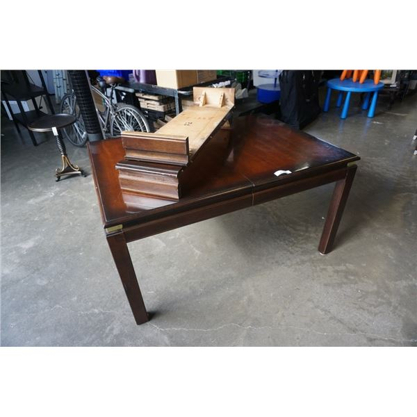 WOOD DINING TABLE WITH 2 LEAFS