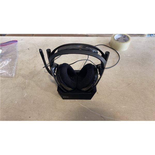 ASTRO A20 WIRELESS GAMING HEADSET FOR XBOX ONE AND PC MAC - TESTED WORKING