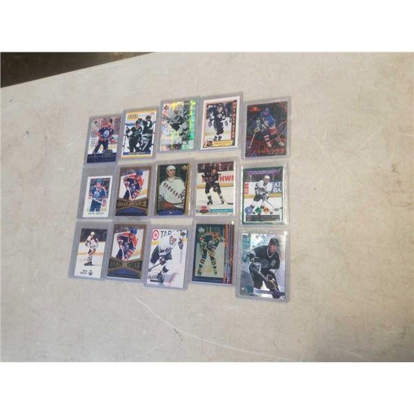 15 HARD CASED WAYNE GRETZKY HOCKEY CARDS