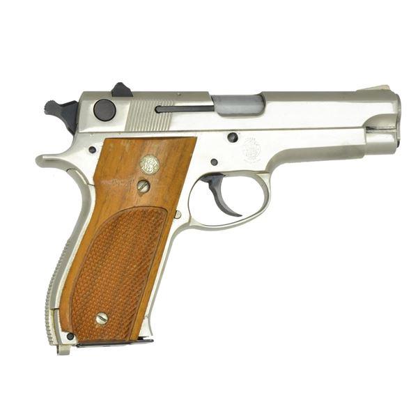 SMITH & WESSON 8 SHOT TDA ALLOY 9MM PISTOL.