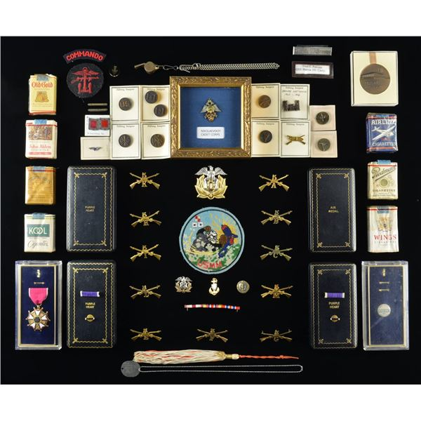LARGE VARIED LOT OF MILITARIA & RELATED ITEMS.