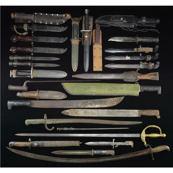 GROUP OF SWORDS, BAYONETS & KNIVES: VINTAGE,