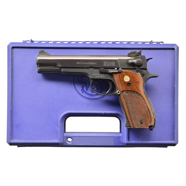 VERY CLEAN 38 SPECIAL S&W 52-2 TARGET PISTOL.