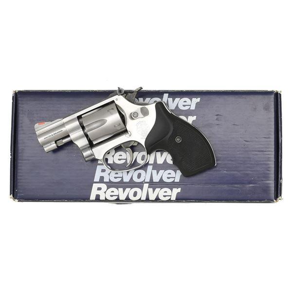 S&W STAINLESS MODEL 651-1 KIT GUN REVOLVER.