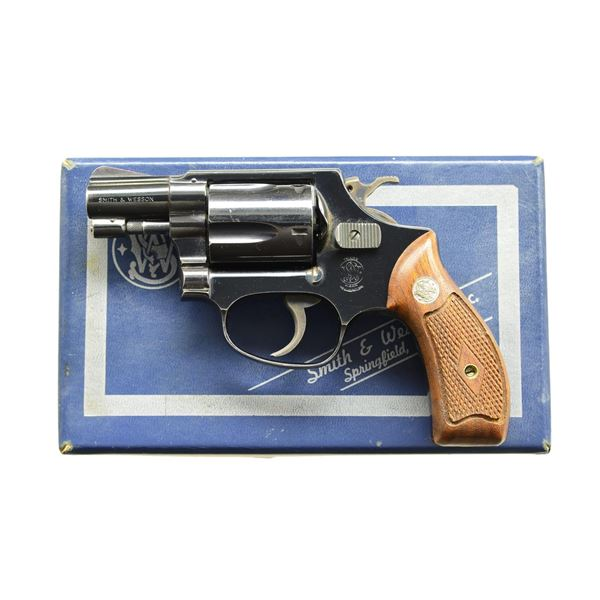 SMITH & WESSON BLUED MODEL 36 CHIEFS SPECIAL