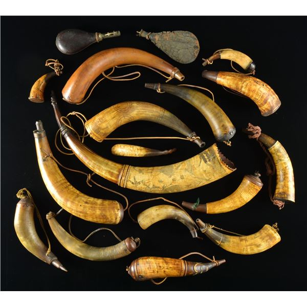 LARGE GROUP OF CARVED POWDER HORNS IN 18TH CENTURY
