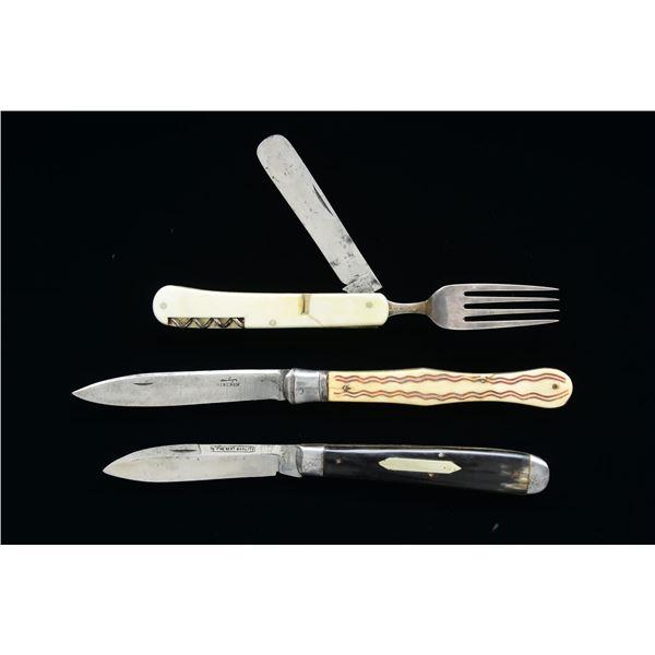 THREE 19TH CENTURY FOLDING KNIVES.