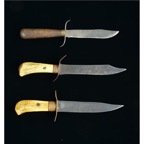 3 AMERICAN PRIMITIVE CLIP POINT KNIVES.