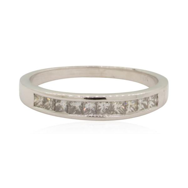 0.4 ctw Diamond Ring - 14KT White Gold