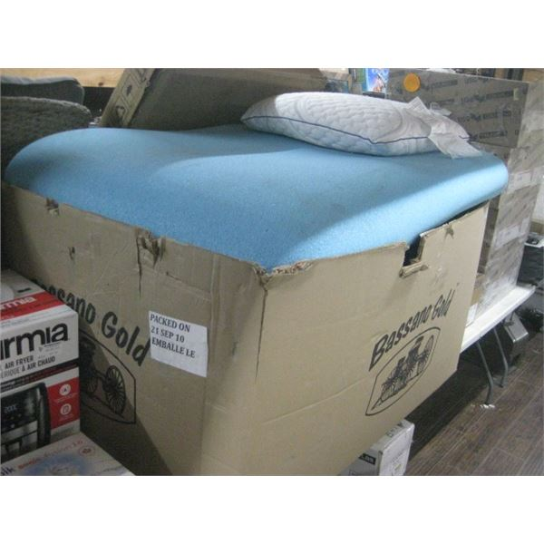 PALLET OF 3 MEMORY FOAM MATTRESS TOPPERS UNKNOWN SIZE AND GEL PILLOW