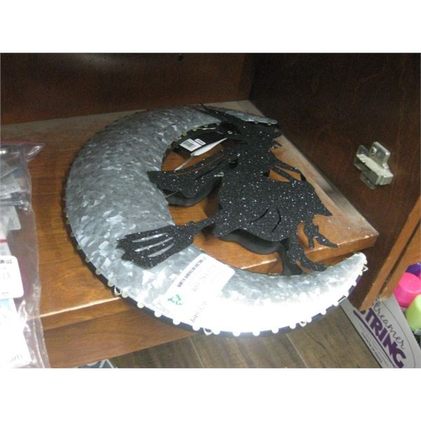 WITCH MOON LED WALL HANGER