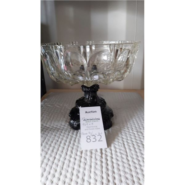 Glass Bowl on Black Metal Pedastal Cat A