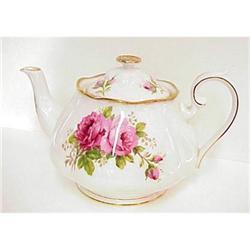 Royal Albert Tea Pot - Roses,Roses #2393589