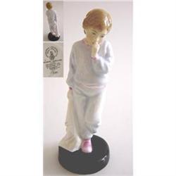 "Royal Doulton Figurine - ""Sleepy Darling"" #2385575"