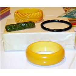 3 Art Deco  Bakelite Lot  Bracelets/1 Bar Pin #2382538