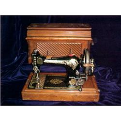 Singer Sewing Machine, 1906 Hand Crank #2394544