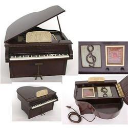 old vintage 1940s Bakelite Piano TUBE Radio #2394564