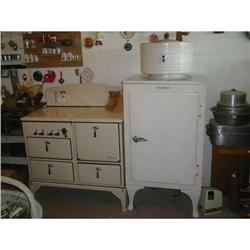 General Electric Refrigerator 1924 #2375638