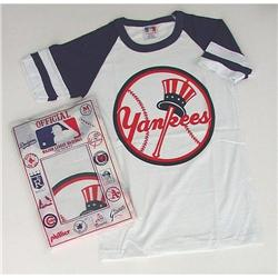 old vintage NEW YORK YANKEES child's t-shirt TE#2376791