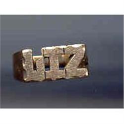SALE 10kt Gold Name Ring    LIZ #2377401