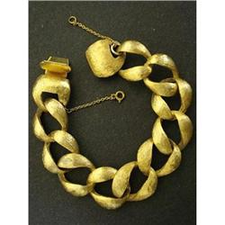 SUPERB VINTAGE GOLD TONE BRACELET #2360020
