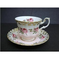 ROYAL ALBERT CUP&SAUCER - TINY ROSES #2360029