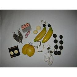 Group of vintage earings! #2360087