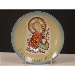 Schmid 1975 Hummel Christmas  Plate #2360095