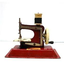 ANTIQUE*TOY*SEWING MACHINE*JUNIOR MODEL #2379656