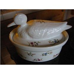 Porcelain casserole w lid figure of a duck!   #2380309