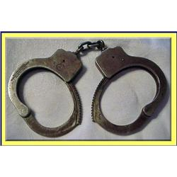 VINTAGE / ANTIQUE AMERICAN HANDCUFFS MARKED #2380514