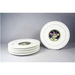 A set of ten Spode dinner plates.