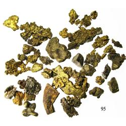 Lot of many natural gold nuggets and a few small cut pieces, from the Espadarte (1558).
