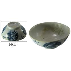 Chinese blue-on-white porcelain rice bowl, crackled-circles design.