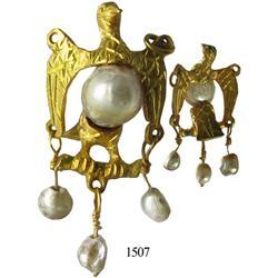 Gold/pearl/emerald eagle pendant, rare.
