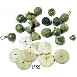 Lot of small brass/bronze buttons and lead button-backs.