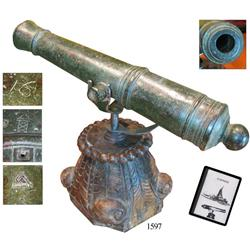 Bronze swivel cannon, Dutch, ca. 1750, with Amsterdam mark, mounted on custom wooden stand made from