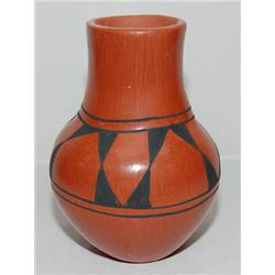 SANTA DOMINGO POTTERY JAR