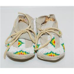 SIOUX BABY MOCCASINS