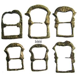 Lot of 6 small, brass buckles.